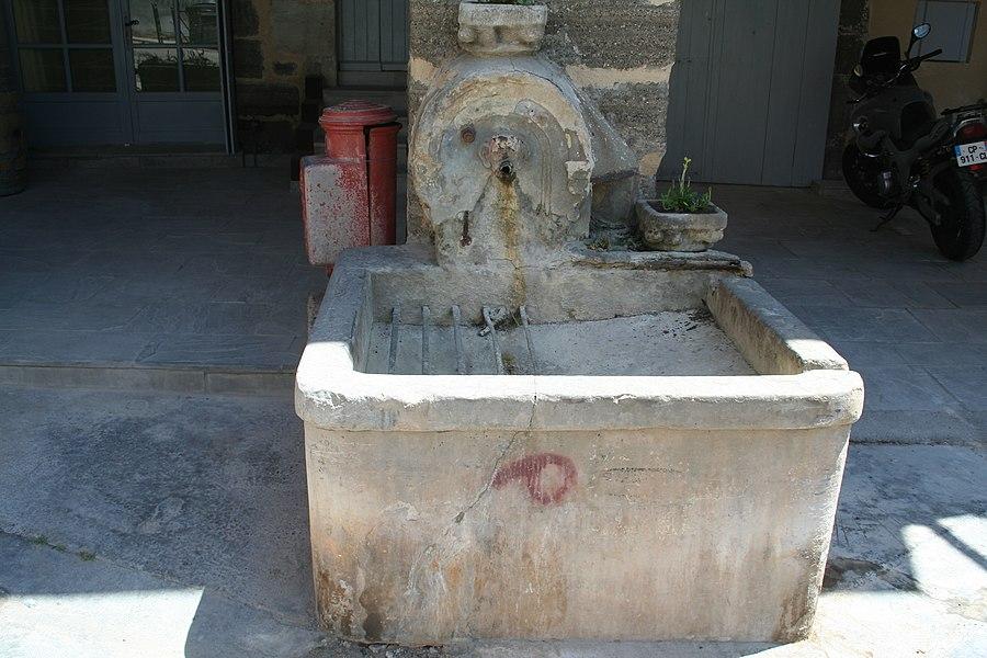 Aspiran (Hérault) - fontaine près de la Placette (1859)