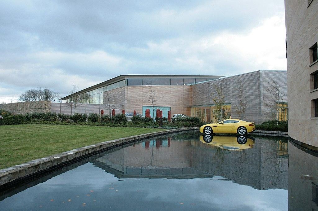 File Aston Martin Hq 4078309605 Jpg Wikimedia Commons