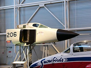 museum exhibiting history and artifacts of aviation