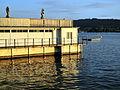 Bad Utoquai in Zürich, Felsenegg im Hintergrund 2012-06-02 20-34-37 (P7000).JPG