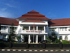 {{id|1=Kantor Balai Kota Malang, Jawa Timur, I...