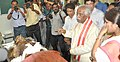 Bandaru Dattatreya talking to patient and Medical students at the ESIC, PGIMSR Institute-cum-Medical College Hospital, at Joka, in Kolkata on October 13, 2015.jpg