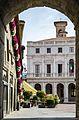 Bergamo, Piazza Vecchia, 2016-06 CN-02.jpg