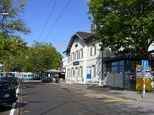 Zürich Tiefenbrunnen railway station - Image: Bhf TB2