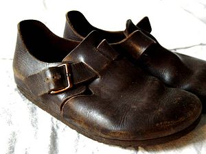 Deutsch: Birkenstockschuhe. Español: Zapatos B...