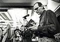 Boekhandel de Vries aan de Jacobijnestraat 1 - 3. Links schrijver Louis Ferron en rechts tekenaarbeeldhouwer Jan Mulder. Aangekocht in 1992 van United Photos de Boer bv. - Negatiefnummer 13-09-1991. I.JPG