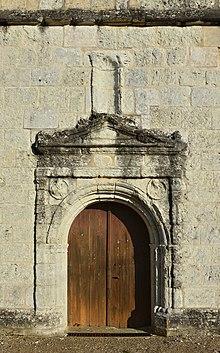 Bonneville 24 Église portail 2014.jpg