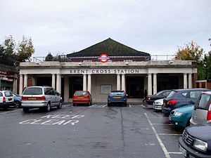 Brent Cross tube station - Image: Brent Cross stn building