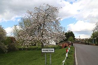 Moreton, Essex - Image: Bridge Road entry to Moreton village, Essex, England