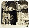 British Guard at the Church of Holy Sepulchre, 1917 (29880386085).jpg