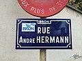 Bron - Rue André Hermann - Plaque (mai 2019).jpg