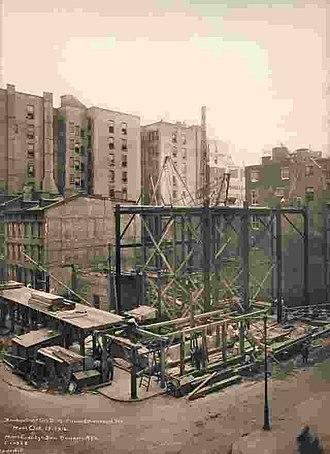 Brooklyn Trust Company - Image: Brooklyn Trust building Oct 14 1914 by Irving Underhill