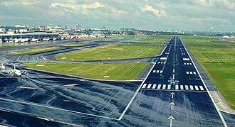 Brussels Airport diamond heist - Image: Brussels Airport Runway 25 R