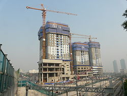 Building in Seoul (summer 2013) - construction.JPG