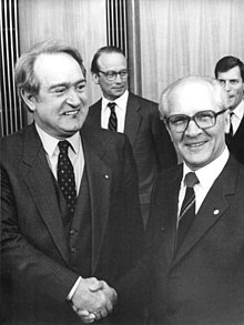 empfing den ministerprsidenten des brd bundeslandes nordrhein westfalen johannes rau der sich zu einem informationsbesuch in der ddr aufhlt 1985 - Sabine Rau Lebenslauf