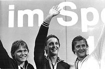Bundesarchiv Bild 183-T0705-0046, Barbara Krause, Heike Witt, Caren Metschuck.jpg