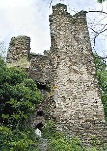 Bergfried der Burg Rheinberg, Blick von Südwesten