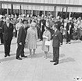 Burgemeester Van Hall van Amsterdam, koningin Juliana, prinses Margaret en Lord , Bestanddeelnr 917-7722.jpg