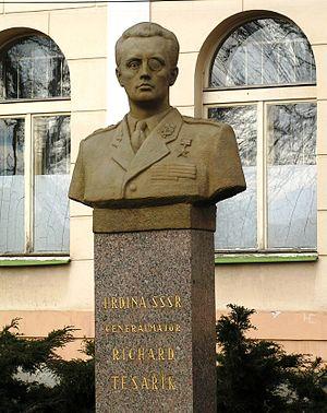 Richard Tesařík - Bust of Major-General Tesařík in Příbram