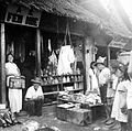 COLLECTIE TROPENMUSEUM Chinese winkel te Langoan Sulawesi TMnr 10002679.jpg