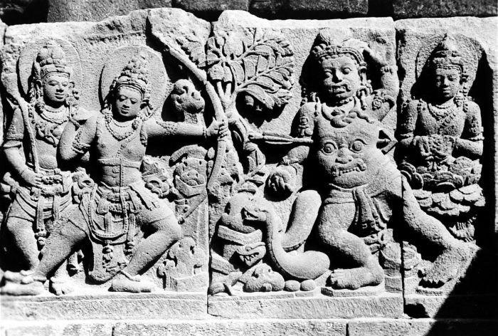 COLLECTIE TROPENMUSEUM Reliëf op de aan Shiva gewijde tempel op de Candi Lara Jonggrang oftewel het Prambanan tempelcomplex TMnr 10016185