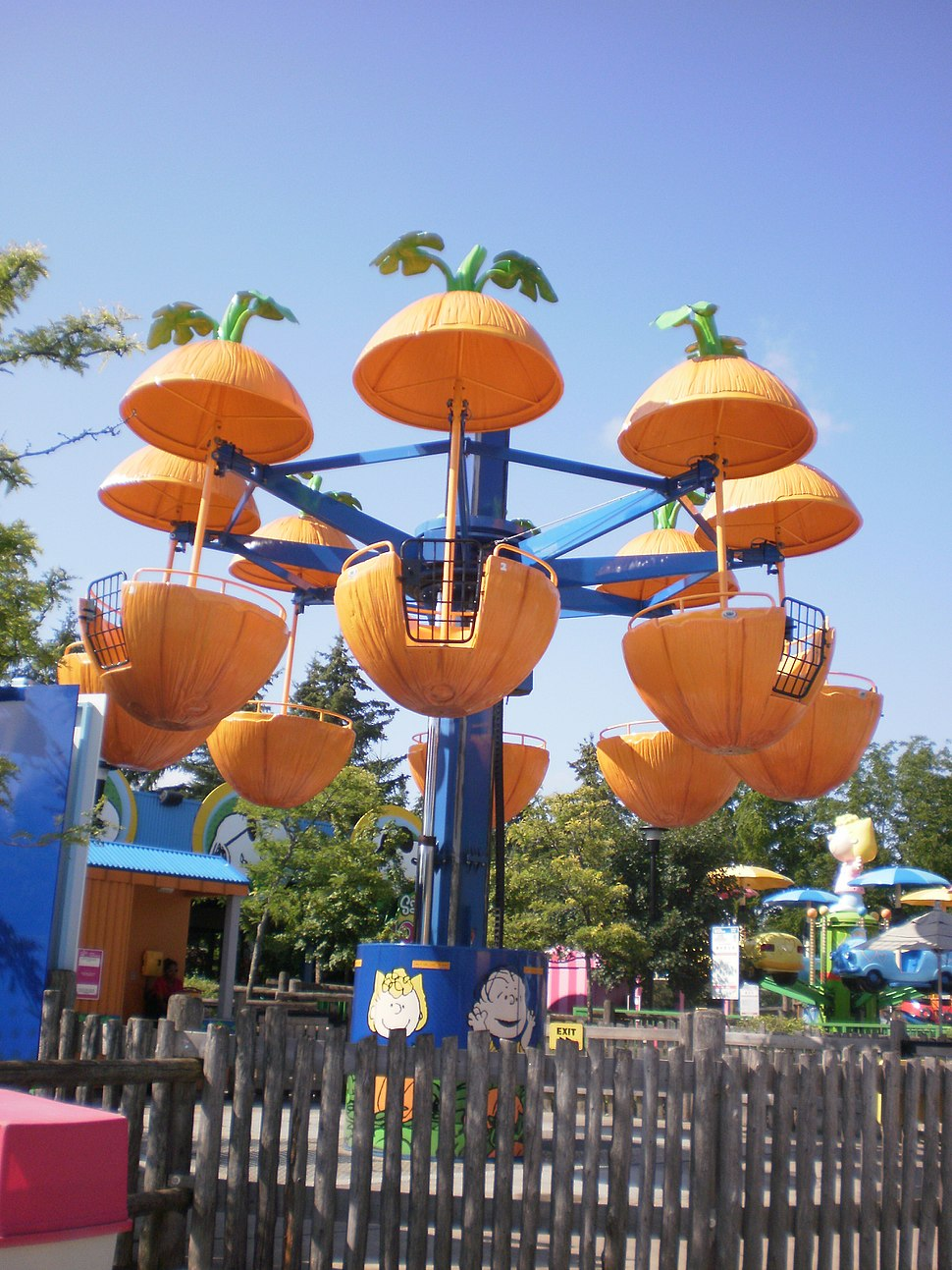 Canadas Wonderland Planet Snoopy Pumpkin Patch ride