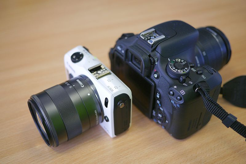 File:Canon EOS M vs. Canon EOS 600D.jpg