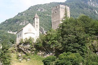 Bregaglia - Image: Castelmur mit Nossadunna