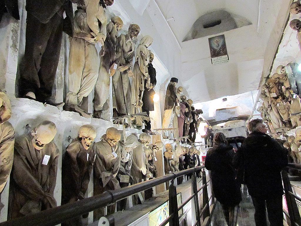 Dans les catacombes des Capucins à Palerme - Photo de Gmihail