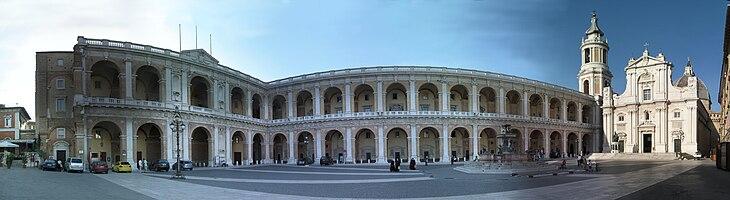 Loreto Cathedral square , Italia (panorama)