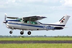 Cessna 210 - A Cessna 210 Centurion
