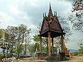 Chùa trên núi tô, angiang, vietnam - panoramio.jpg