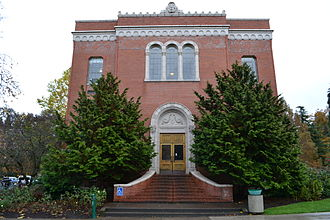 Robert D. Clark Honors College - Chapman Hall
