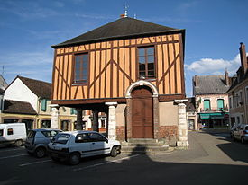 Charny-Yonne-halle-louis-philippe.jpg