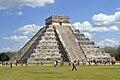Chichen Itza 03 2011 Templo Kukulkan (El Castillo) 1413.jpg