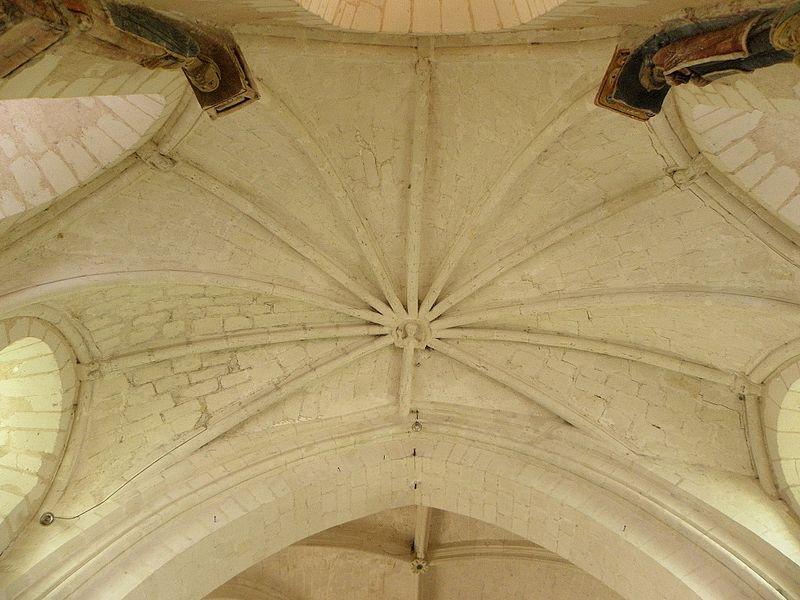 Église Saint-Pierre et Saint-Paul de Chigné(49). Voûtes du chœur.