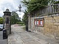 Church yard gates, Alnwick.jpg