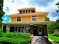 Clapboard-Clad American Foursquare Style Home - panoramio.jpg