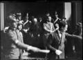Conférence de Gênes, Jacques Seydoux (avec une canne).png