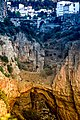 Constantine, les gorges du Rhummel, l'arche naturelle et le pont El Kantara.jpg