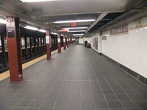 Cortlandt Street (BMT Broadway Line) - Uptown (northbound) platform