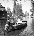 Crue printaniere dans le village de Pointe-Gatineau, 1947.jpg