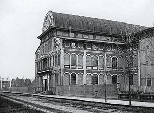 Crystal Palace (Montreal) - Side view in 1866, at original location on Victoria Street.
