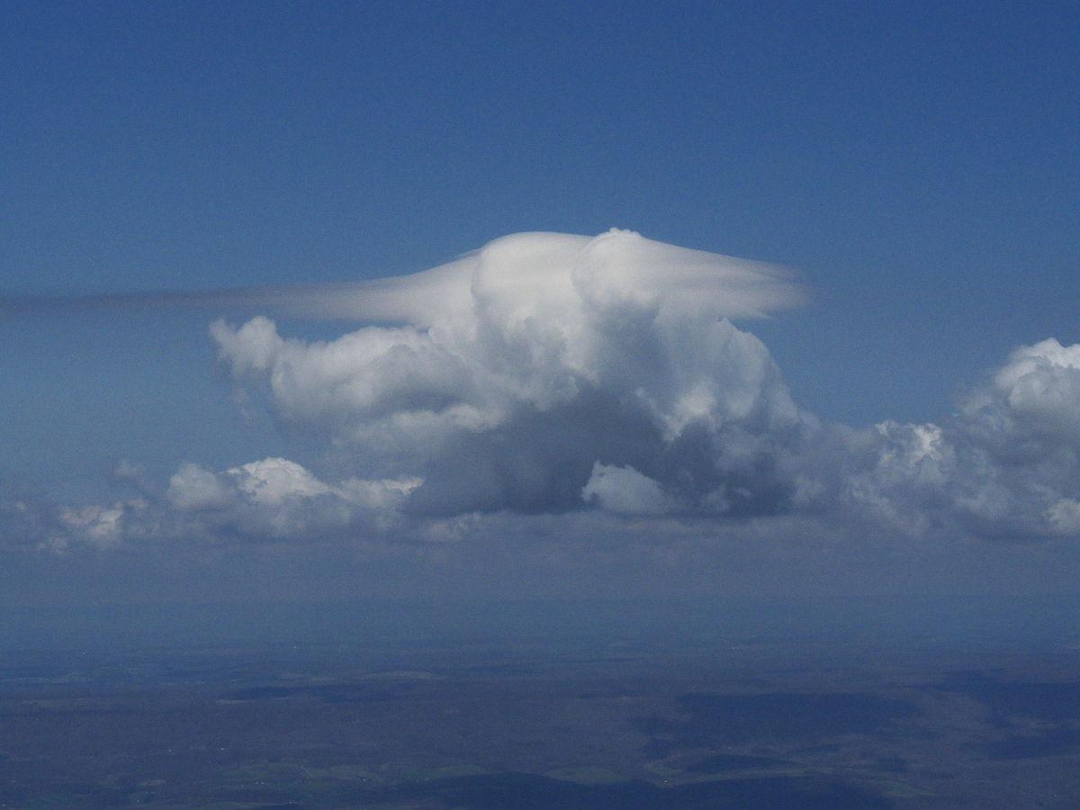 Pileus (meteorology) - Wikipedia