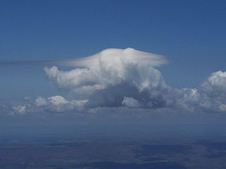 Pileus (meteorology) clouds supplementary feature