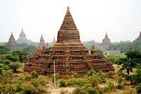 DSC565 Burma Old Bagan Pagode Nat Hlaung Kyaung (4588660156).jpg