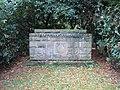 DU-Waldfriedhof-Ehrenmal.jpg