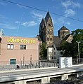 Das Löhr-Center eröffnete 1984 und war eines der ersten Einkaufszentren in Deutschland. - panoramio.jpg