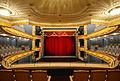 Das Meininger Theater - Blick auf die Bühne.jpg