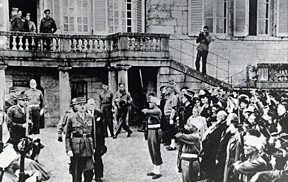 On November 13, 1944, De Gaulle and Churchill held a meeting  to prepare for the end of the Second World War. It took place in the small french town of Maiche. The picture shows both men in front of the Chateau Montalembert castle.